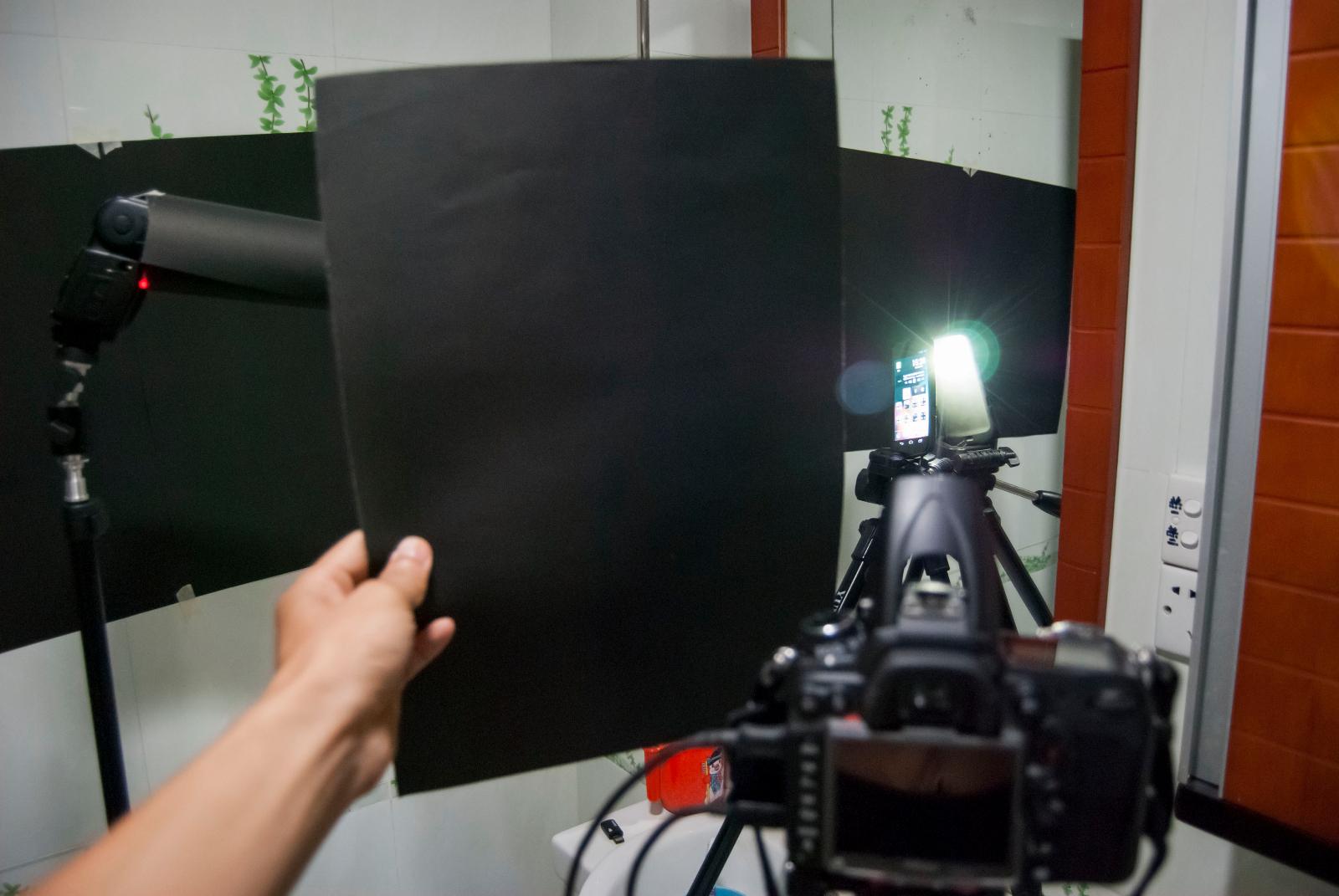 发光中的Galaxy Nexus拍摄现场