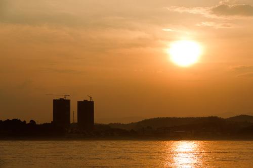 宜昌江南点军区商品房项目维多利亚港湾的日落